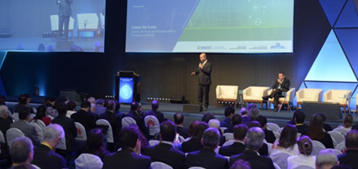 Presentación del Plan Nacional IoT. Imagen: BNDES