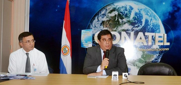 Eduardo González, presidente de Conatel (derecha). Imagen: Conatel.