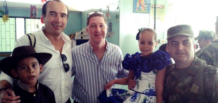 ETB entregó 100 tabletas a un colegio de La Macarena