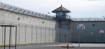 Operadores se quejan de proyecto que busca el bloqueo de señales en cárceles de Costa Rica