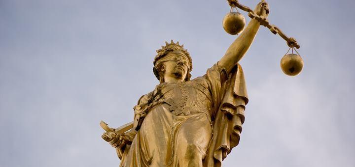 Chile: la judicialidad demora decisiones sobre espectro y vuelve a definir la Corte Suprema