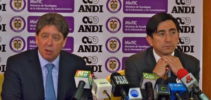 Presidente de la ANDI Bruce Mac Master y Ministro Diego Molano. Imagen: Mintic