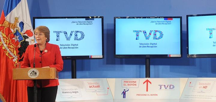 La Presidenta de la República, Michelle Bachelet, promulgó ley de TV digital. Imagen: Gobierno deChile