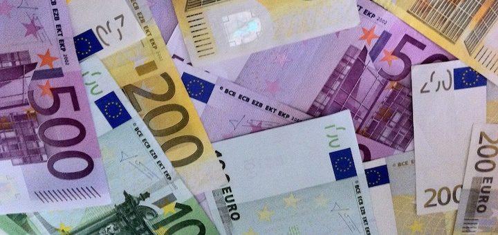 CE multa en €110 millones a Facebook por dar información engañosa al adquirir WhatsApp