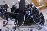El satélite Intelsat 30 en camino al sitio de lanzamiento. Imagen: Intelsat