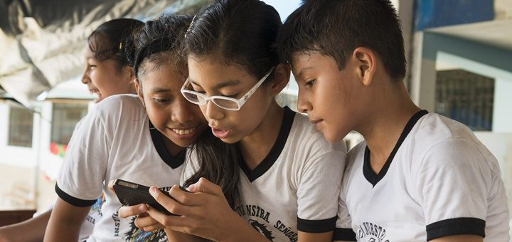 Escuela en Nauta, Perú. Imagen: Ericsson