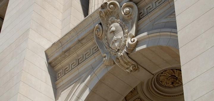 Afsca pide a la Corte revocar la cautelar que frena la adecuación de oficio de Clarín
