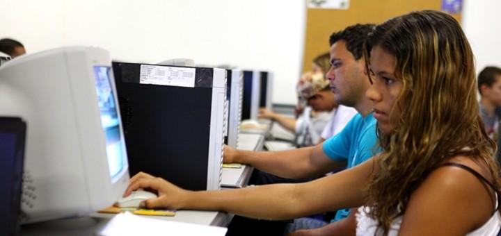 El G7 busca conectar a 1.500 millones de personas a Internet hacia 2020
