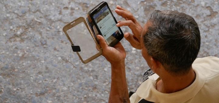 Panamá: comenzó a regir la prohibición de vender celulares bloqueados