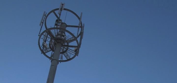 Chile: Contraloría tomó razón de los decretos de concesión de la banda de 700 MHz