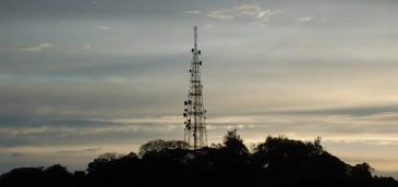 México avanza en la simplificación de trámites y alista uso de carreteras para telecomunicaciones