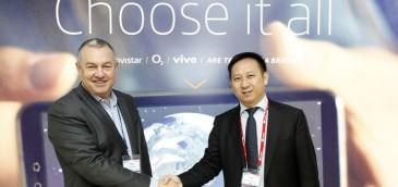 Michael Duncan, director general de la Unidad de Consumo de Telefónica y Haixu Ma, presidente de Red Central de Huawei. Imagen: Telefónica