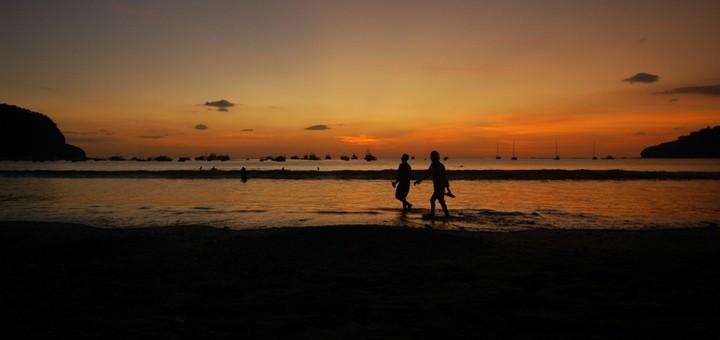 La entrante NewCo completa la primera meta de cobertura en Bahamas