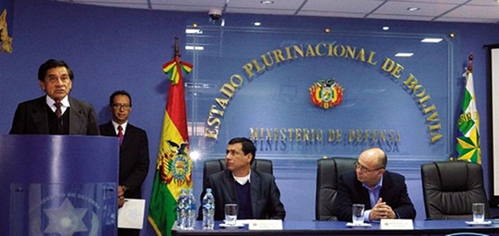 Entel y el Ministerio de Defensa de Bolivia firman acuerdo de cooperación. Imagen: Entel.