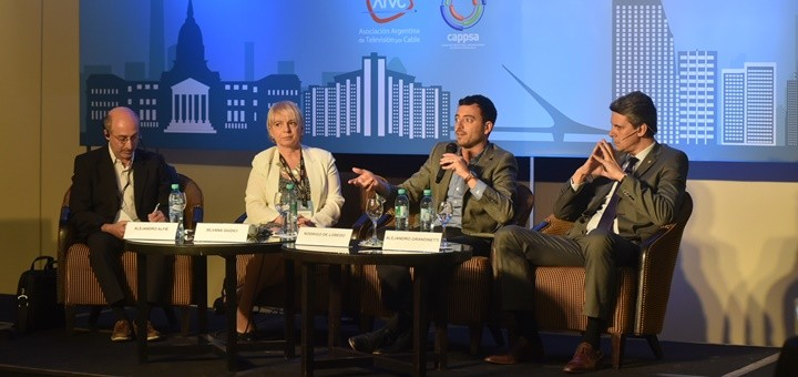 Silvana Giudici, Rodrigo de Loredo y Alejandro Grandinetti en Jornadas Internacionales 2016. Imagen: ATVC