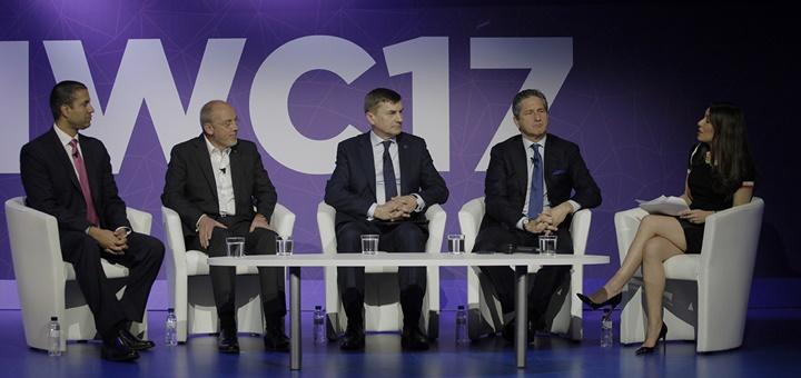 """Panel """"Construyendo la Economía 5G"""". Imagen: Guillem Valle/GSMA"""