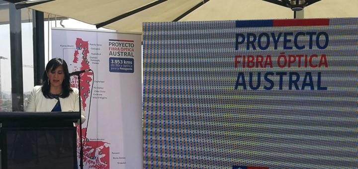 Ministra Paola Tapia anuncia adjudicación de FOA. Imagen: Subtel