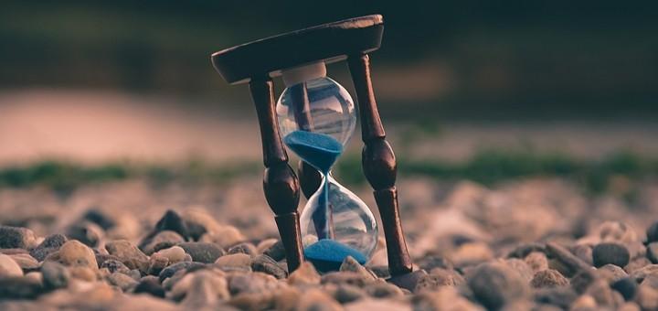Reloj de arena. Imagen: Uroš Jovičić/Unsplash