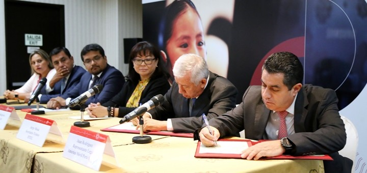 Firman contrato para aplicación de proyecto de banda ancha en Lima. Imagen: ProInversión