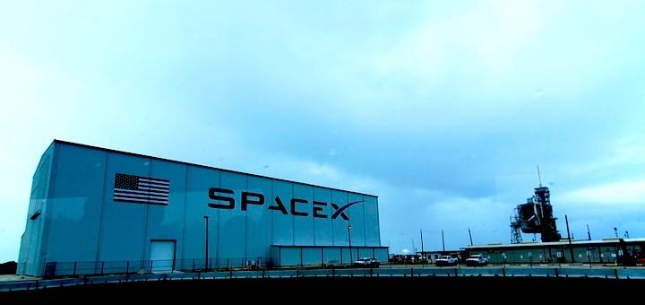 SpaceX se mueve a su propio ritmo: su constelación de satélites LEO dará servicios a fin de año
