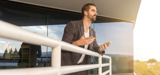 Celulares. Imagen: LinkedIn Sales Navigator/Unsplash.