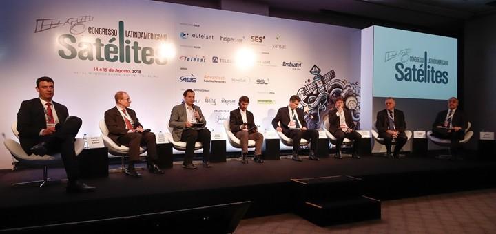 Operadores se quejan del acuerdo entre Telebras y Viasat. Imagen: Congreso Latinoamericano de Satélites/Flickr.