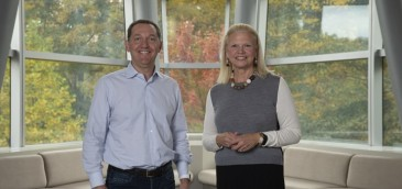 Ginni Rometty, CEO de IBM y James M. Whitehurst, CEO de Red Hat. Imagen: IBM