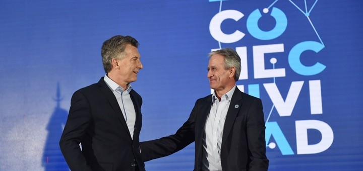 Mauricio Macri y Andrés Ibarra en el acto del Plan de Conectividad. Imagen: Twitter Andrés Ibarra