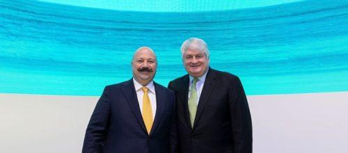 El CEO de Turkcell y el de Digicel durante el MWC2019. Imagen: Digicel