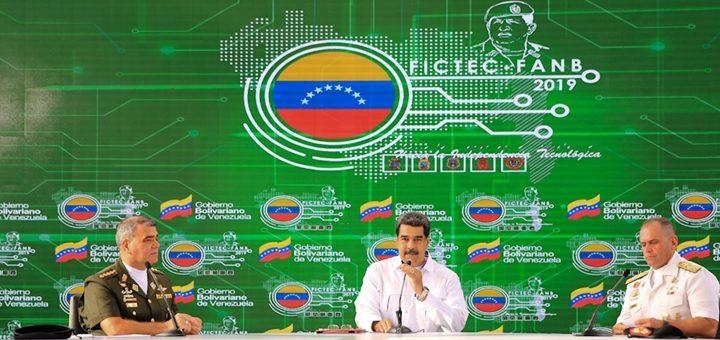 Venezuela da un tímido paso al agrupar sus empresas de telecomunicaciones
