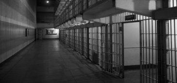 El Salvador deja al descubierto la complejidad del bloqueo de celulares en centros penitenciarios