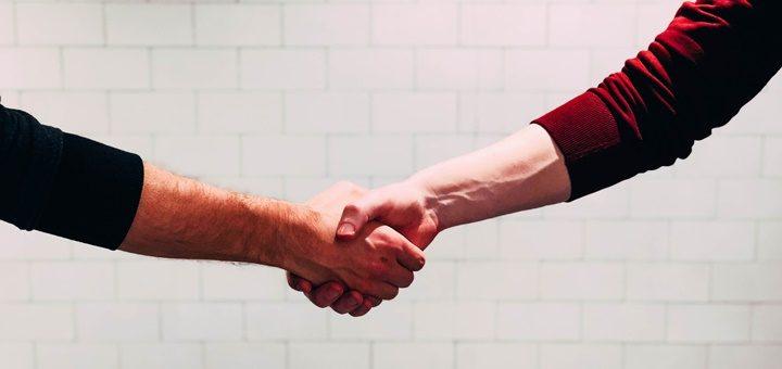 Movistar y Claro llegan a un acuerdo para la continuidad del proyecto del Sena en Colombia
