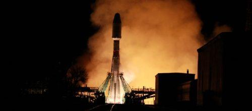Se acelera el lanzamiento de satélites de órbita baja con la promesa de fibra en el cielo